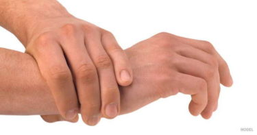 ド・ケルバン腱鞘炎(de Quervain tenosynovitis)の原因・症状・治療法