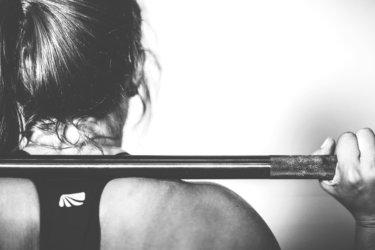スクワットで腰痛となる原因と予防策について【腰痛の原因と予防法】